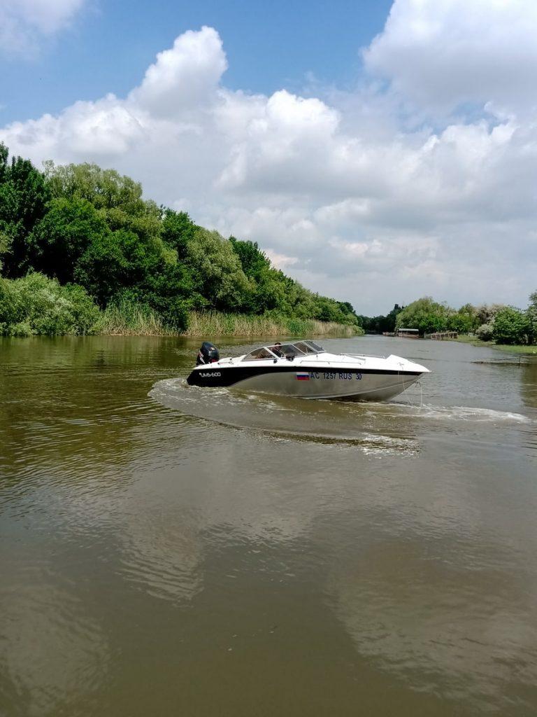 boats-900x1200-20210601-005